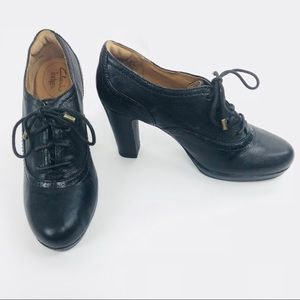 Clark's Indigo Lace Up Leather Heels Stacked Block